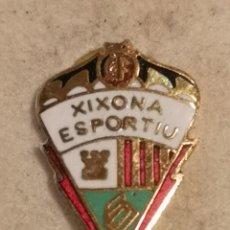 Coleccionismo deportivo: PIN FUTBOL - ALACANT / ALICANTE - XIXONA - CF XIXONA ESPORTIU. Lote 254667830
