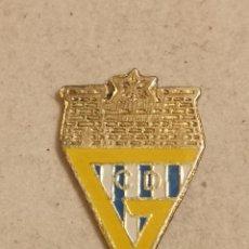 Coleccionismo deportivo: PIN FUTBOL - VALENCIA - GANDIA - CD GANDIENSE. Lote 254669190