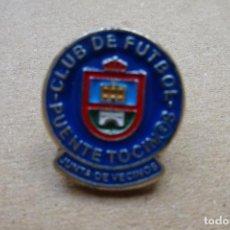Colecionismo desportivo: PIN FÚTBOL - C.F. PUENTE TOCINOS. Lote 254822670