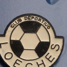 Coleccionismo deportivo: PINS DE FÚTBOL CD LOECHES. MADRID. Lote 256063435
