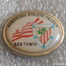 Coleccionismo deportivo: ATHLETIC CLUB BILBAO PIN PEÑA BAR TXINTO DE SONDIKA. Lote 256070775