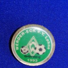 Coleccionismo deportivo: PIN FÚTBOL WERDER - ECK E. V LOHNE 1993. Lote 258973170