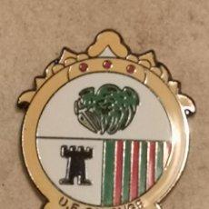 Coleccionismo deportivo: PIN FUTBOL - GIRONA - CALONGE I SANT ANTONI - UE CALONGE. Lote 260620665