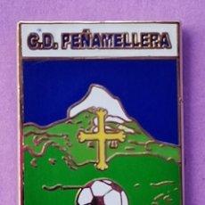 Coleccionismo deportivo: PIN DE FÚTBOL... PEÑAMELLERA. ASTURIAS. Lote 260681135