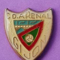 Coleccionismo deportivo: PIN DE FÚTBOL... C. D. ARENAL. ASTURIAS. Lote 260682990