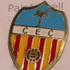 Coleccionismo deportivo: PIN FUTBOL - GIRONA - CAMPDEVANOL - CE CAMPDEVANOL. Lote 260700055