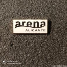 Coleccionismo deportivo: PIN C.D. ARENA - ALICANTE. Lote 261646760