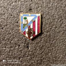 Colecionismo desportivo: PIN PEÑA ATLETICO MADRID - VALENCIA. Lote 261868460