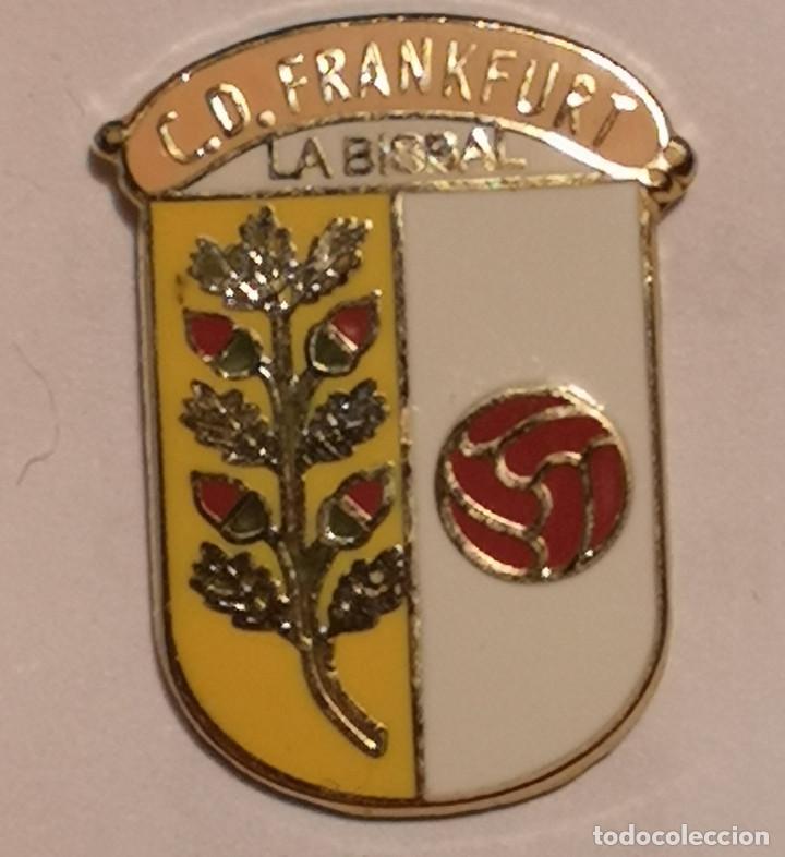 PIN FUTBOL - GIRONA - LA BISBAL D'EMPORDA - CD FRANKFURT (Coleccionismo Deportivo - Pins de Deportes - Fútbol)