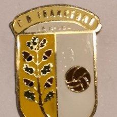 Coleccionismo deportivo: PIN FUTBOL - GIRONA - LA BISBAL D'EMPORDA - CD FRANKFURT. Lote 262021085