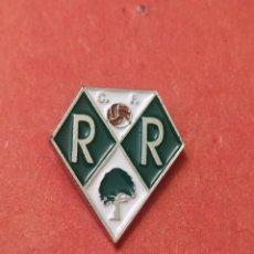 Coleccionismo deportivo: PINS DE FÚTBOL CF REDENTORISTAS LEÓN. Lote 262052705