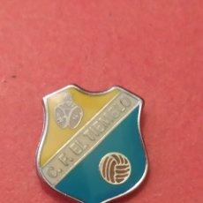 Coleccionismo deportivo: PINS DE FÚTBOL CF EL TIEMBLO AVILA. CASTILLA Y LEÓN. Lote 262053355