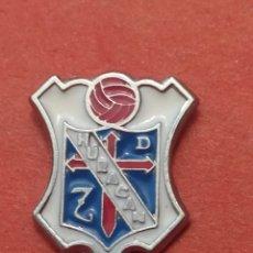 Coleccionismo deportivo: PINS DE FÚTBOL UD HURACÁN Z. LEON. Lote 262056220