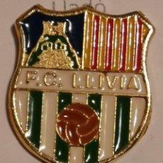 Coleccionismo deportivo: PIN FUTBOL - GIRONA - LLIVIA - FC LLIVIA. Lote 262348440