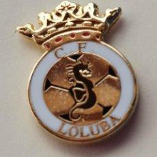Coleccionismo deportivo: PIN DE FÚTBOL... C. F. LOLUBA. CÁDIZ. Lote 262419985