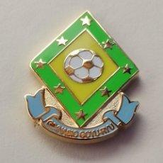 Coleccionismo deportivo: PIN DE FÚTBOL... A. D. C. GIMNACIO GOYU RYU. CEUTA. Lote 262424860