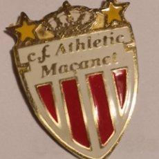 Coleccionismo deportivo: PIN FUTBOL - GIRONA - MAÇANET DE LA SELVA - CF ATHLETIC MAÇANET. Lote 262510500