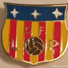 Coleccionismo deportivo: PIN FUTBOL - GIRONA - LES PLANES D'HOSTOLES - CF LES PLANES - SOLAPA. Lote 262512585