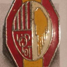 Coleccionismo deportivo: PIN FUTBOL - GIRONA - OLOT - UD OLOT. Lote 262512795