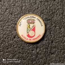 Coleccionismo deportivo: PIN PEÑA ALCALAINA VENECIA - ALCALÁ DE HENARES (MADRID). Lote 262653975