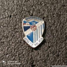 Coleccionismo deportivo: PIN PEÑA CD MALAGA DE MARBELLA - MARBELLA (MÁLAGA). Lote 262654015