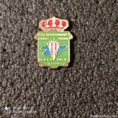 Coleccionismo deportivo: PIN PEÑA SPORTINGUISTA COSTA VERDE - GIJÓN (ASTURIAS). Lote 262654350