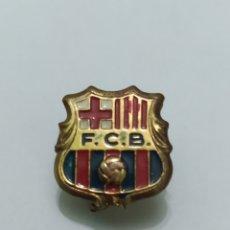 Coleccionismo deportivo: INSIGNIA DE FÚTBOL FC BARCELONA. Lote 265553404