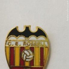 Coleccionismo deportivo: INSIGNIA DE FÚTBOL C. E ROSSELL. VALENCIA. Lote 265953133
