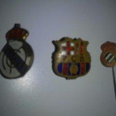 Coleccionismo deportivo: ANTIGUOS PINS - F.C.BARCELONA.R.MADRID.ESPAÑOL.. Lote 267449939