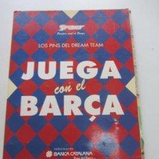 Coleccionismo deportivo: LOS PINS DREAM TEAM COMPLETA JUEGA CON EL BARÇA 48 PINES UNICA EN TC SPORT FUTBOL FC BARCELONA RX20. Lote 267502974