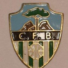 Coleccionismo deportivo: PIN FUTBOL - TARRAGONA - BENIFALLET - CF BENIFALLET. Lote 267858489