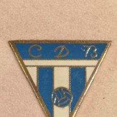 Coleccionismo deportivo: PIN FUTBOL - TARRAGONA - BENISANET - CD BENISANET. Lote 267858824