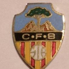Coleccionismo deportivo: PIN FUTBOL - TARRAGONA - BENIFALLET - CF BENIFALLET. Lote 267885969