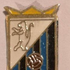 Coleccionismo deportivo: PIN FUTBOL - TARRAGONA - SEGUR DE CALAFELL - UE SEGUR DE CALAFELL. Lote 267889924