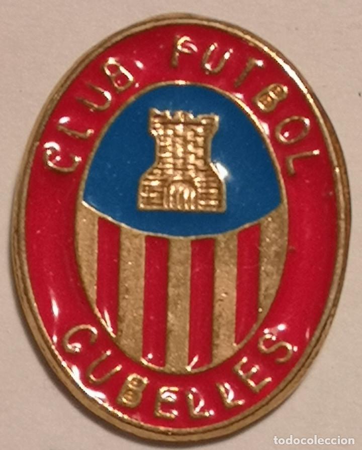 PIN FUTBOL - TARRAGONA - CUBELLES - CF CUBELLES (Coleccionismo Deportivo - Pins de Deportes - Fútbol)