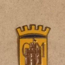 Coleccionismo deportivo: PIN FUTBOL - TARRAGONA - MARMELLA - CD MARMELLA - AGUJA. Lote 269050968