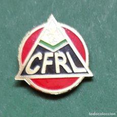Coleccionismo deportivo: PIN FUTBOL - C. F. RENFE - ZARAGOZA - METAL ESMALTADO - EP 1/2. Lote 269818578