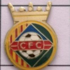 Coleccionismo deportivo: PIN FUTBOL - BARCELONA - CERDANYOLA DEL VALLÈS - CF CERDANYOLA. Lote 275984298