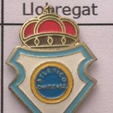 Coleccionismo deportivo: PIN FUTBOL - BARCELONA - CORNELLÀ DE LLOBREGAT - ATLETICO ONUBENSE. Lote 276368998