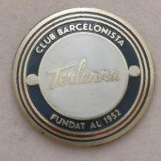 Coleccionismo deportivo: PIN FUTBOL - BARCELONA - EL PRAT DE LLOBREGAT - CLUB BARCELONISTA TERLENKA. Lote 276615328