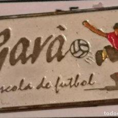 Coleccionismo deportivo: PIN FUTBOL - BARCELONA - GAVÀ - ESCOLA DE FUTBOL GAVÀ. Lote 277113173