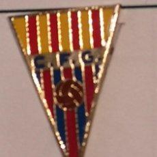 Coleccionismo deportivo: PIN FUTBOL - BARCELONA - GAVÀ - CF GAVÀ - ESCUDO 1968. Lote 277114413