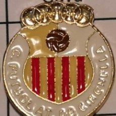 Coleccionismo deportivo: PIN FUTBOL - BARCELONA - GIRONELLA - CF ATLETICO DE GIRONELLA. Lote 277208103