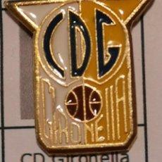 Coleccionismo deportivo: PIN FUTBOL - BARCELONA - GIRONELLA - CD GIRONELLA. Lote 277208163