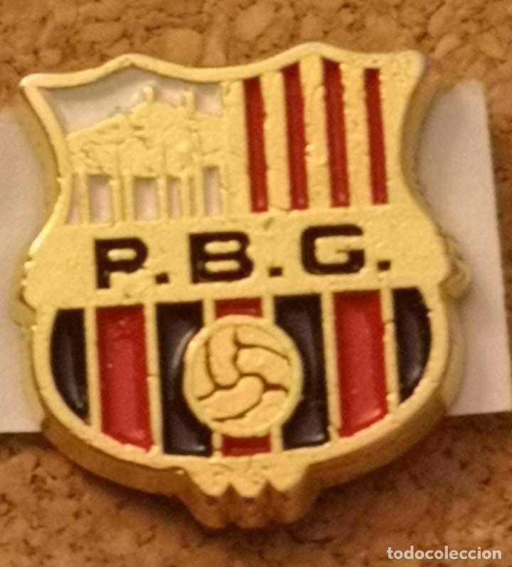 PIN FUTBOL - BARCELONA - GRANOLLERS - PENYA BARCELONISTA GRANOLLERS (Coleccionismo Deportivo - Pins de Deportes - Fútbol)