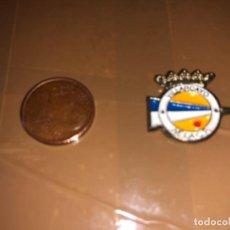 Coleccionismo deportivo: PIN EQUIPO DE FÚTBOL VILLARCAYO NELA. Lote 277498593