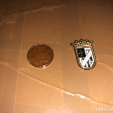 Coleccionismo deportivo: PIN EQUIPO DE FÚTBOL PALENCIA. Lote 277499188