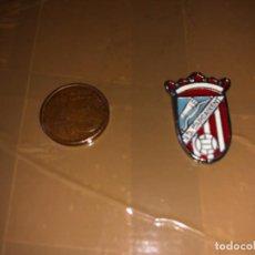 Coleccionismo deportivo: PIN EQUIPO DE FÚTBOL CARCAIXENT. Lote 277514718