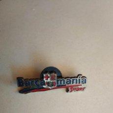 Coleccionismo deportivo: PIN DE DIARIO SPORT FUTBOL CLUB BARCELONA , BARÇA MANIA. Lote 277646548
