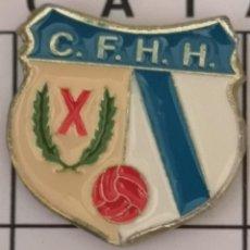 Coleccionismo deportivo: PIN FUTBOL - BARCELONA - HOSPITALET DE LLOBREGAT - CF HERCULES. Lote 277668928